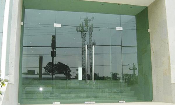 cửa kính huyện Gia Lâm