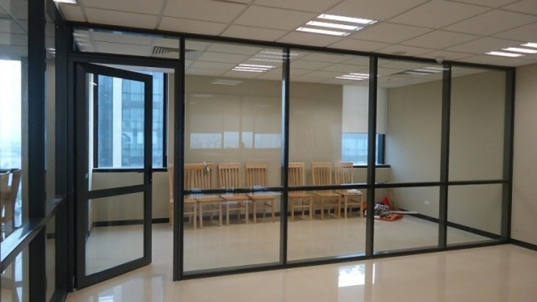 Dịch vụ cung cấp và lắp đặt vách kính văn phòng quận Bắc Từ Liêm