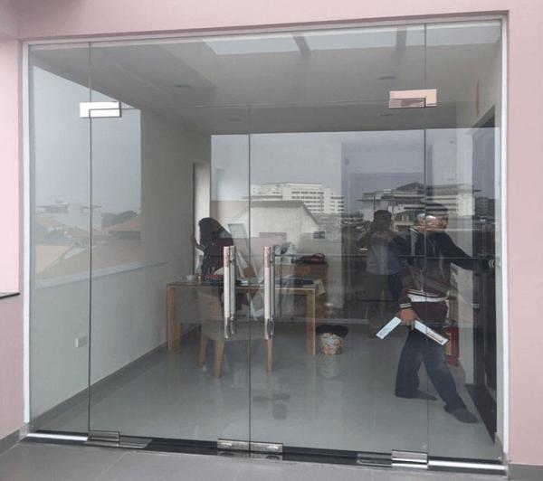 Địa chỉ cung cấp thi công cửa kính quận Cầu Giấy nào tốt?