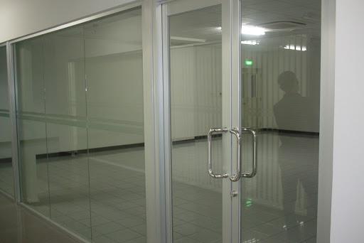 cửa kính huyện Đan Phượng